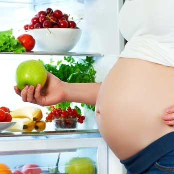 4 Essential Dietary Changes That Can Help Improve Your Fertility